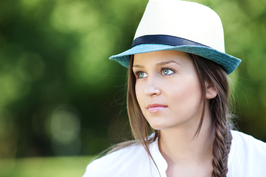 Portrait of a beautiful young woman, shallow depth of field